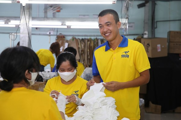 "CEO Dony Garment, Pham Quang Anh said Dony Mask was ""the medication"" that the company needed to survive during the pandemic. Photo: Hoang Trieu"