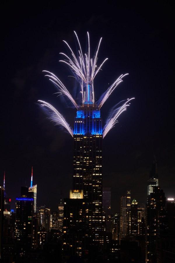 帝国大厦为第44届年度梅西百货7月4日烟花秀献上压轴表演
