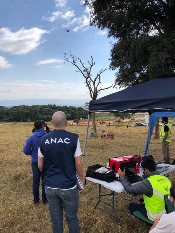 Speedbird Aero prepares for parachute deployment in front of ANAC officials