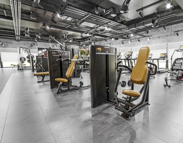 力健推出Axiom系列,带来新的综合力量健身器材阵容