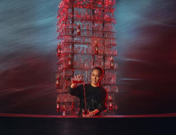 Campari、新しいインスピレーションに満ちたデジタルキャンペーンでRed Passion(赤の情熱)に命を吹き込む