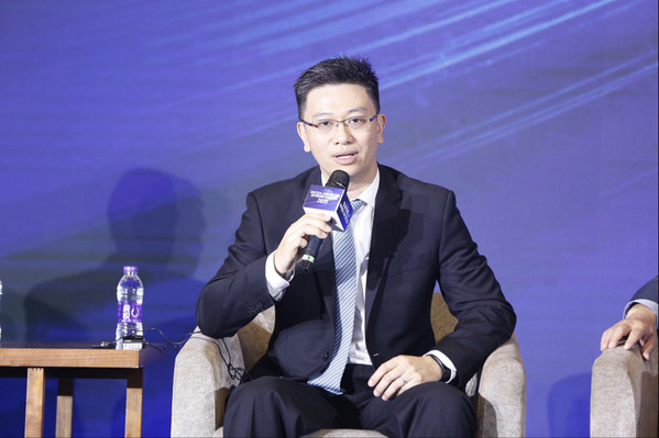 TUV莱茵大中华区交通服务副总裁黄余欣受邀参加圆桌对话环节