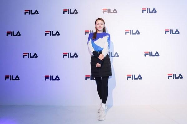 中国女子自由式滑雪空中技巧运动员、世界冠军程爽现身活动现场