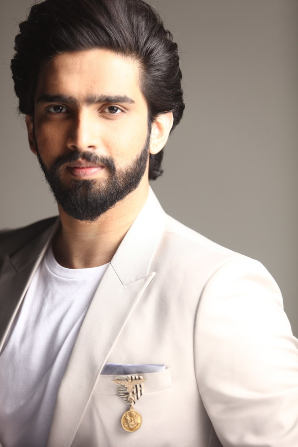 India's Youngest Award-Winning Bollywood Composer, Amaal Mallik, Signs Exclusive Agreement With Sony Music India