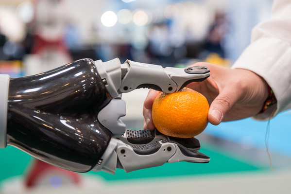 SERVICE ROBOTS Record: Sales Worldwide Up 32% - International Federation of Robotics reports
