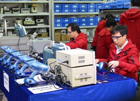 半岛家用308nm准分子光研发历经上千次性能测试