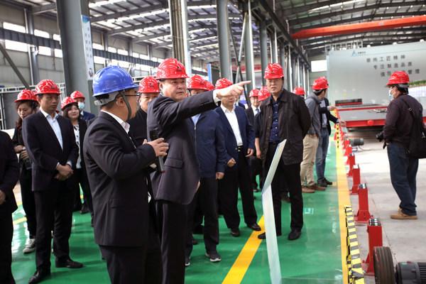 蚌埠市副市长王庆武参观安徽研砼生产线