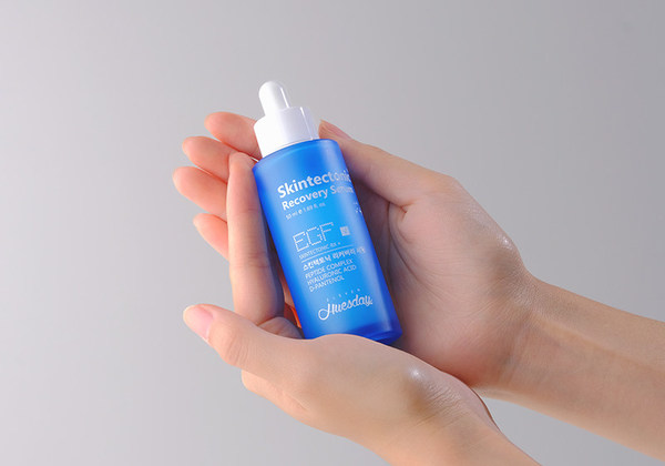 The Skintectonic Recovery Serum is a low-irritant, rejuvenating elasticity serum with peptide complex, D-Panthenol and EGF