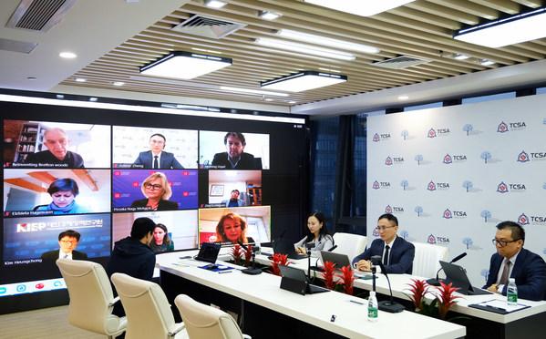 「政策立案者が想像する必要がない未来の構想を」:TCSAのAdkins Zheng会長が「大陸間対話」で基調講演