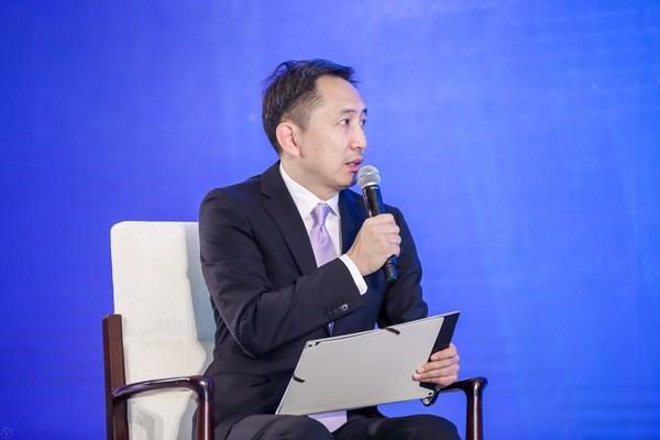 益普索中国消费科技研究院院长 周��群
