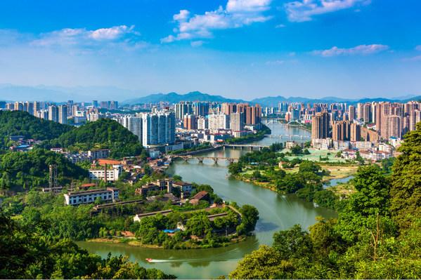 중국 중부 후난성 류양시의 류양강 풍경