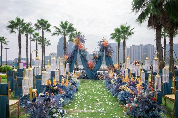 杭州金沙湖和达希尔顿嘉悦里酒店草坪沙滩主题婚礼秀顺利举办