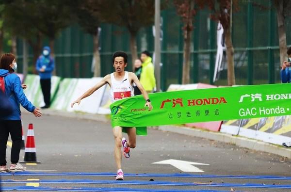 2020杭马冠军 粟国雄 李宁飞电2.0Elite