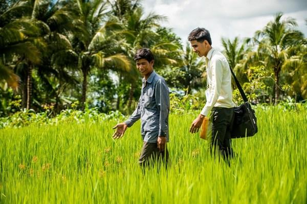 カンボジアの金融セクターは自国の貧困者に支援の手を差し伸べる