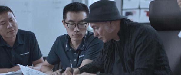 波司登与中国南极科考队员共同研发设计