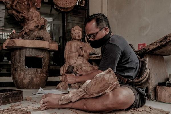 巴厘岛传统木雕