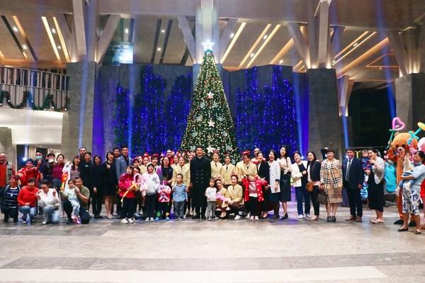 石梅湾威斯汀酒店2020年圣诞亮灯仪式 开启缤纷圣诞季