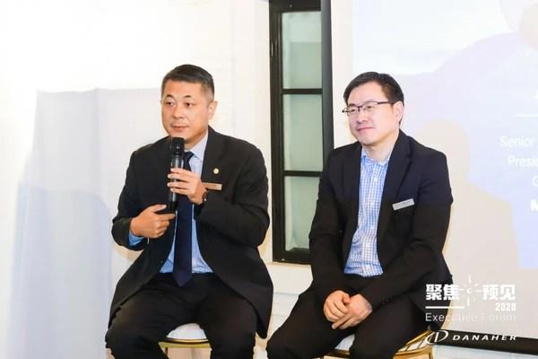 左:丹纳赫中国生命科学平台总裁李冰先生;右:美敦力全球高级副总裁兼大中华区总裁顾宇韶先生