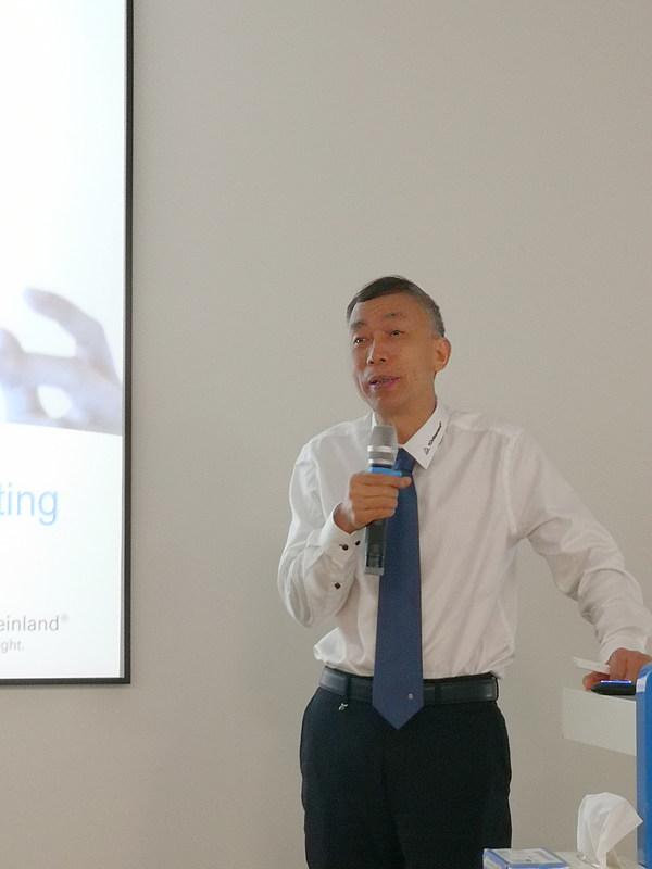 王建林结合AGV 产品在半导体制造业的应用实例,对AGV 的安全要点进行了分享。