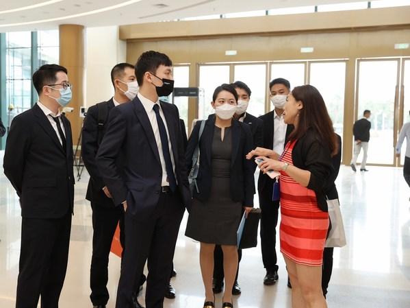 調印式に先立ち、Suning Internationalは、Hainan Tourism Investmentが12月30日に三亜で正式にオープンさせるオフショア免税複合施設を訪問