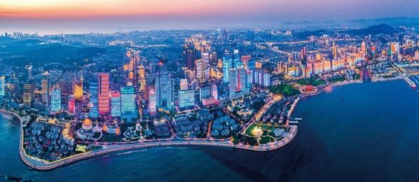 青島シティライトショーの空中写真 Aerial view of Qingdao City Light Show