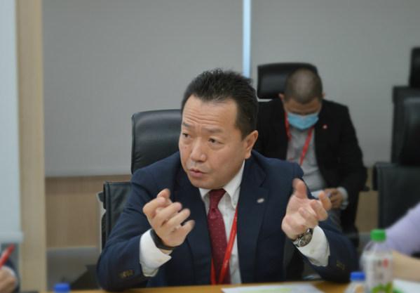 富士通(中国)信息系统有限公司副总裁 室贺泰典