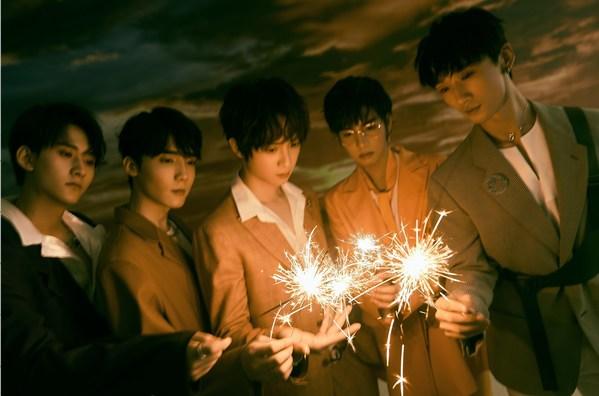 """Pelakon-pelakon daripada The Untamed - T.U.B.S lancar penampilan sulung EP """"LOVE:ONE-ACT"""""""