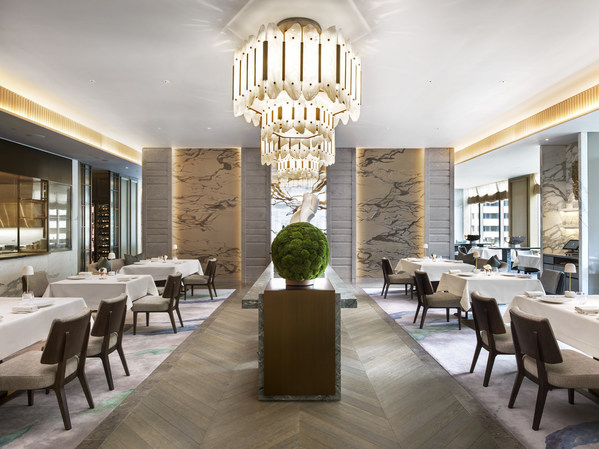 Winning its second MICHELIN Star this year, contemporary French restaurant L'Envol of The St. Regis Hong Kong offers inspired, inventive interpretations of French haute cuisine.