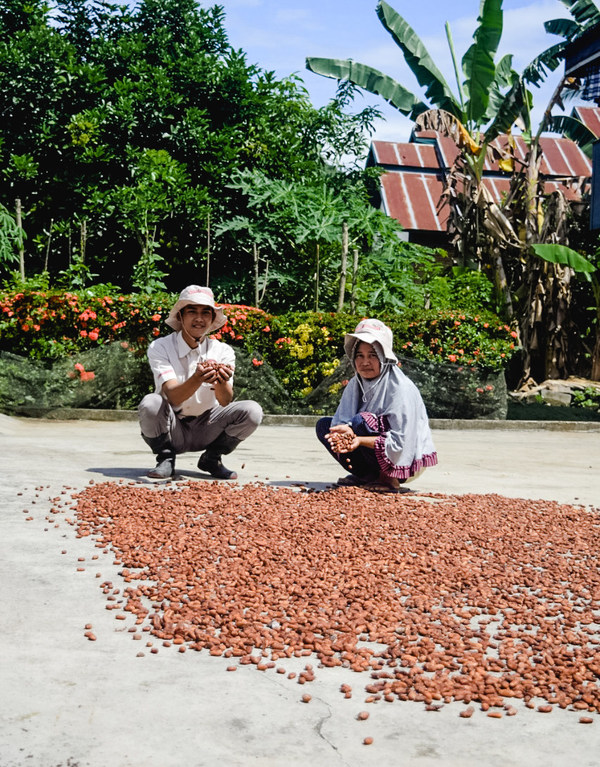 The full range of Van Houten Professional products have 100% sustainably-sourced cocoa via the Cocoa Horizon Foundation, positively impacting livelihoods in cocoa farming communities in Sulawesi