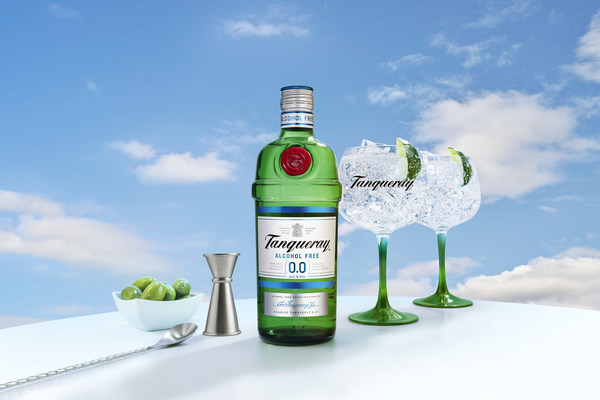 NEW TANQUERAY 0.0%: ALL THE TASTE, ZERO ALCOHOL; Crafted from the same distilled botanicals as London Dry, Tanqueray 0.0% offers an alcohol-free option that captures the unmistakable spirit of Tanqueray perfectly.