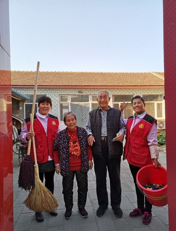 """菲仕兰""""爱心月嫂""""志愿服务进社区,为孤寡老人送关爱   美通社"""