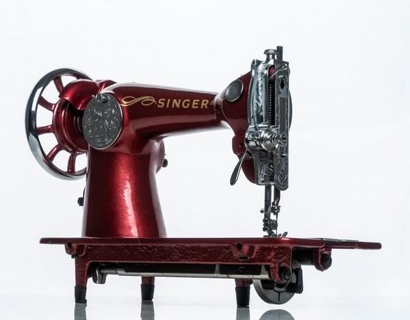SINGER(R)庆祝全球创新170周年