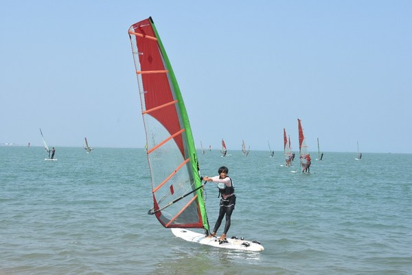 The Sports Tourism Resort Haikou Gathers Chinese Sailing and Windsurfing Athletes to Receive Intensive Training