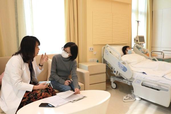 上海和睦家新城医院成功完成鼻部修复公益手术