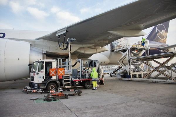 Picture credit: LufthansaCargo AG / Oliver Roesler