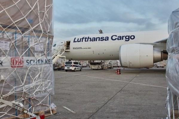 德铁信可与汉莎货运携手推出欧洲往返中国的定期碳中和货运航线