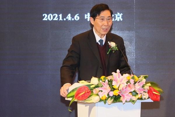 中国科学院院士、国家重大科技专项《重大新药创制》技术副总师陈凯先于会上发言