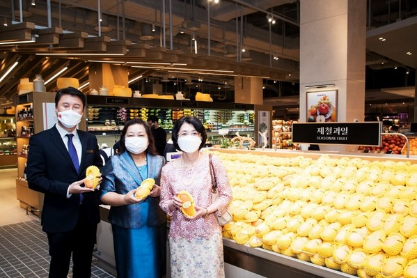 "Thai Rainbow Mango ""Mahachanok"" enters Korea after 9 years of endeavor"