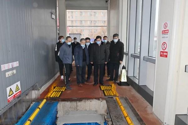 中国石化党组书记、董事长张玉卓一行对奥动新能源换电站进行实地调研