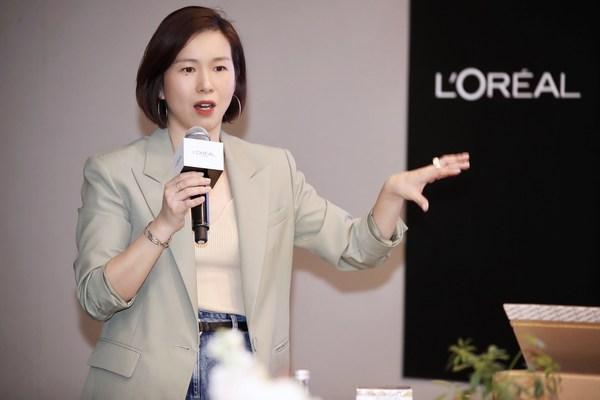 巴黎欧莱雅国际产品开发部总经理李俪女士于活动现场分享品牌的可持续举措