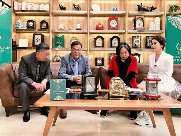 湖南电视台《东方寻宝》走进青雅藏钟展馆进行节目录制