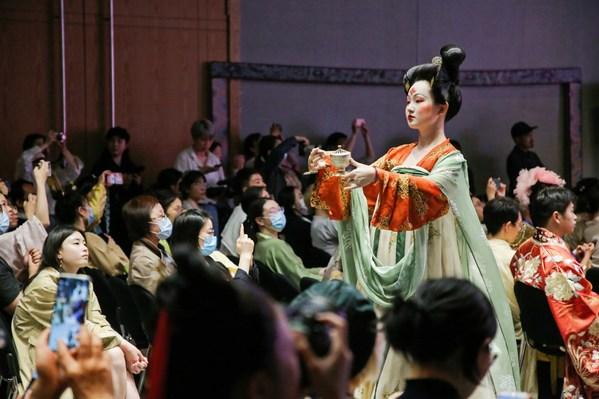 中国シルク博物館が伝統的な漢服を展示する第4回中国衣装フェス開催