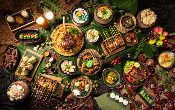 Paket Berbuka Puasa dengan berbagai pilihan menu Nusantara di Djaman Doeloe Resto and Bar selama Bulan Ramadhan