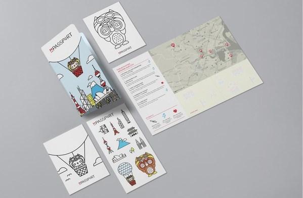 '万豪小护照'欢迎手册含本地活动地图,明信片和贴纸