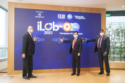 Singapore's Deputy Prime Minister Heng Swee Keat (middle) launching P&G's iLab 2021. (Credit: P&G)