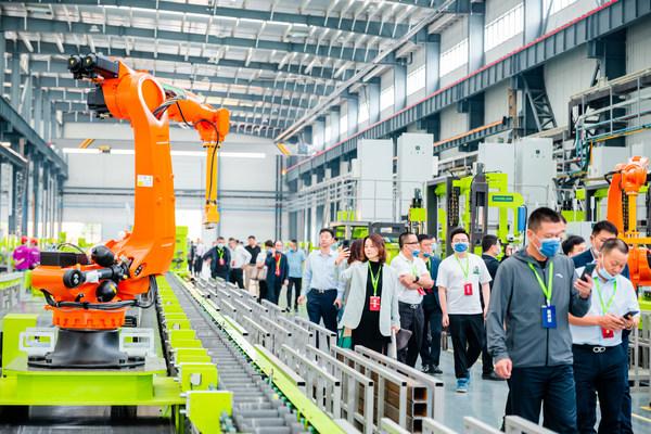 โรงงานผลิตทาวเวอร์เครนอัจฉริยะของ Zoomlion ในเมืองฉางเต๋อ มณฑลหูหนานทางภาคกลางของจีน