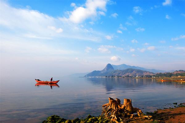 新华丝路:中国玉溪全力保护抚仙湖生态