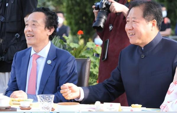 茶香茶韵传布中国文明 品茶谈茶保持国际友谊