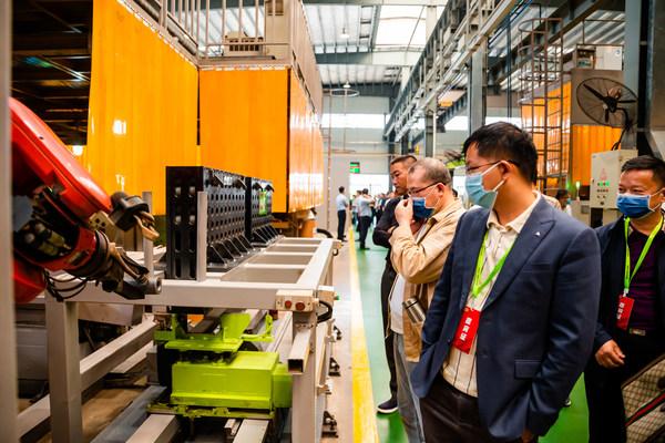 ズームライオンが新しいタワークレーン・インテリジェント製造工場のフル稼働を開始