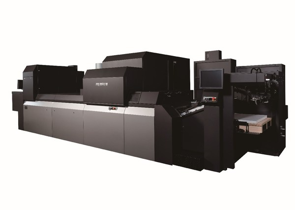 富士胶片最新一代超高品质的B2幅面数码喷墨印刷机Jet Press 750S